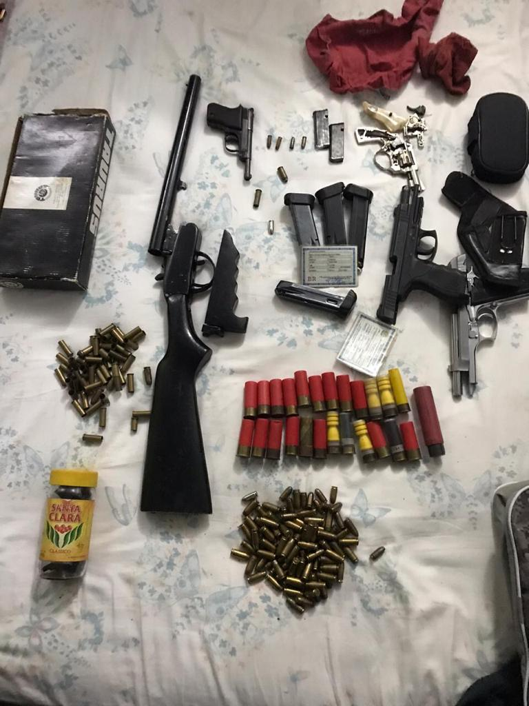 Operação Pecus - apreensão de armas e munições