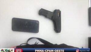 Simulacro de arma de fogo apreendida com o indivíduo na Vila Palmeira