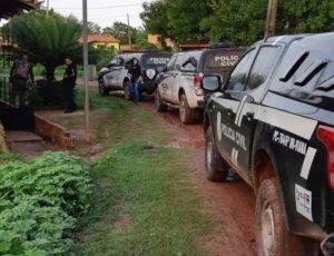 Policiais civis no local onde os suspeitos foram encontrados (Imagem PCMA)