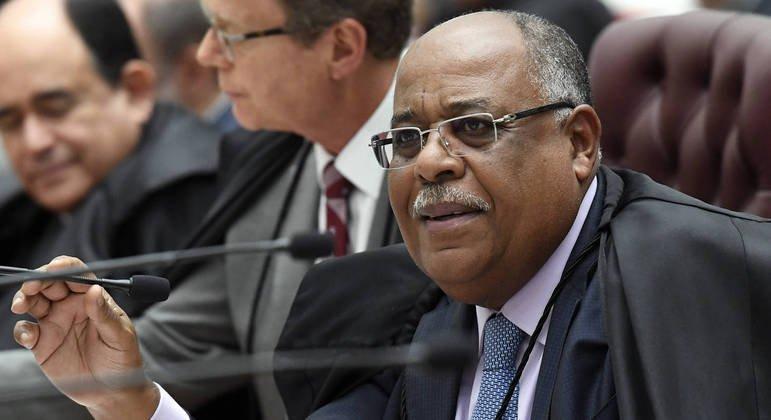 Comissão de juristas debate racismo estrutural na Câmara