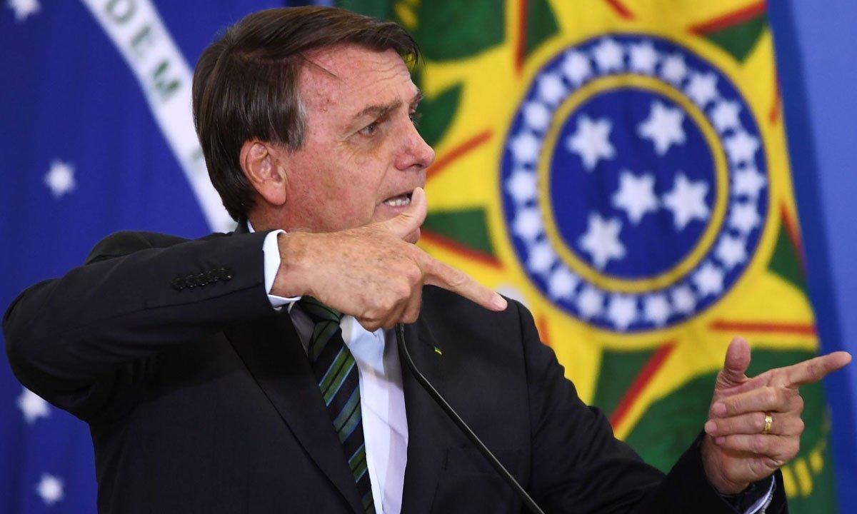 PF intima ao menos 25 para depor por mensagens contra Bolsonaro