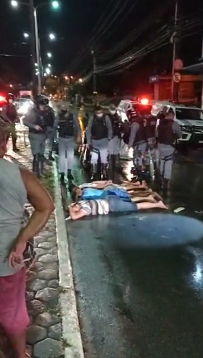 Indivíduos foram presos em frente a Caixa Econômica do João Paulo